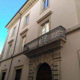 RIF. A052  Appartamento uso ufficio  centro storico L'Aquila