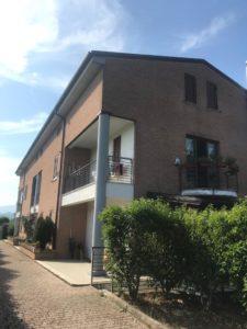 RIF. V096  Adorabilissima  villetta caposchiera  L'Aquila