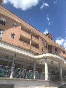 Appartamento mansardato vicino Mouviplex Pettino